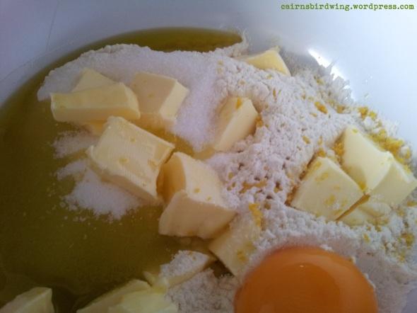 Mehl - Zucker - Salz - Butter - Olivenöl - Eigelb