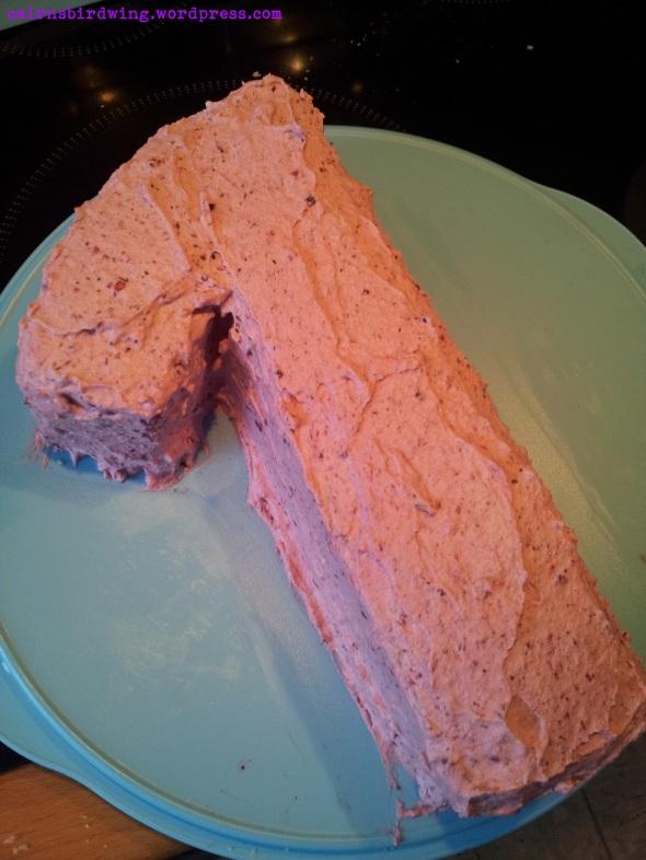 Fertig überzogener Kuchen.