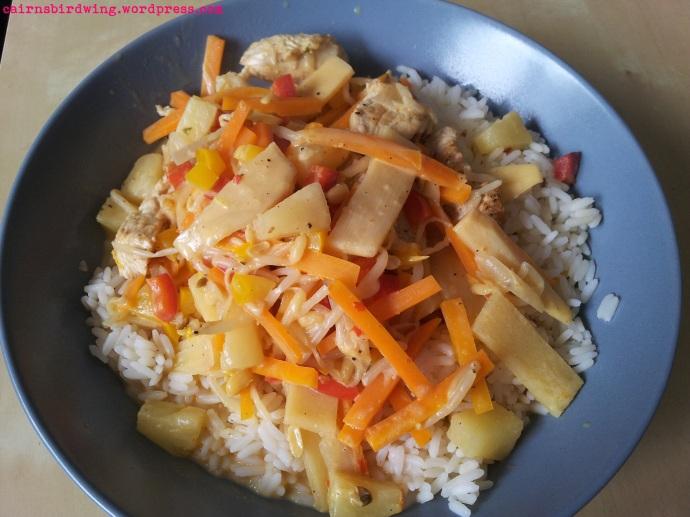 15 Asiatische Gemüsepfanne mit Reis fertig