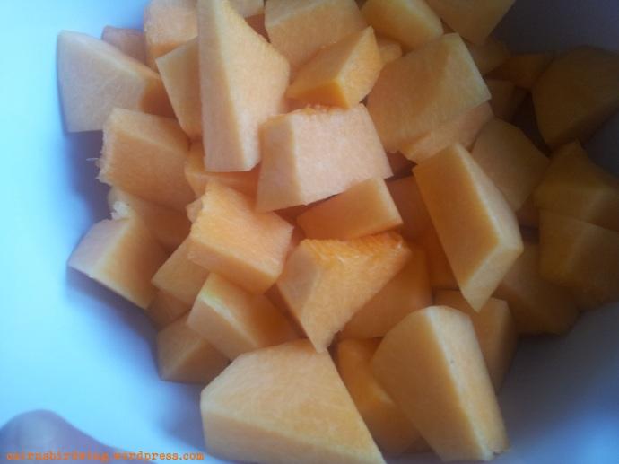 Muskatkürbis riecht immer ein bisschen wie Melone, wenn man ihn aufschneidet!