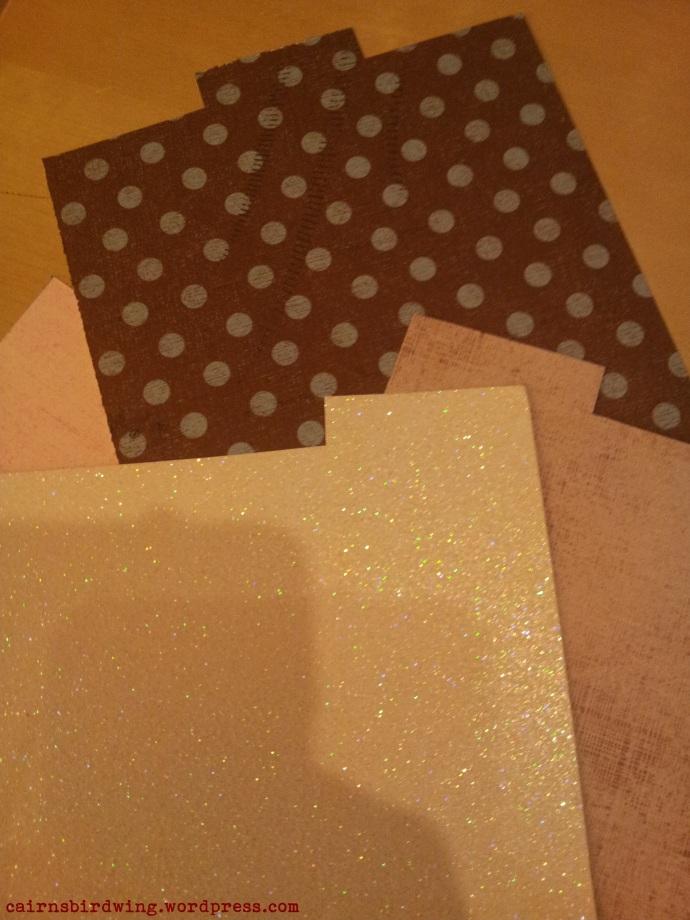 Monats-Teiler aus übriggebliebenem Bastelpapier.